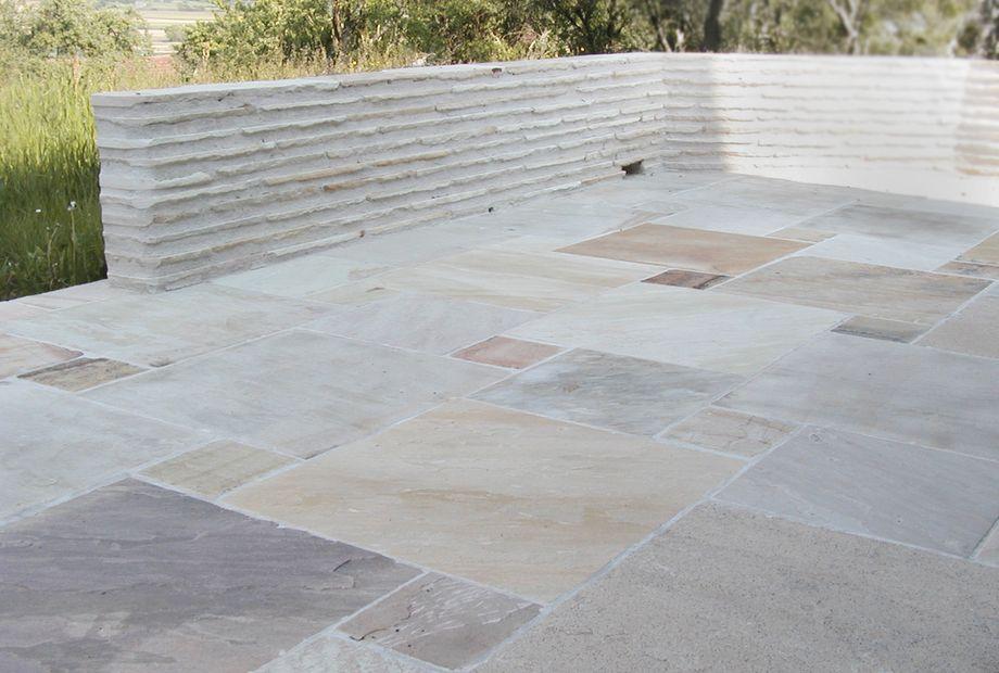 Terrasse in Sandstein Mint, Stein Schwarz