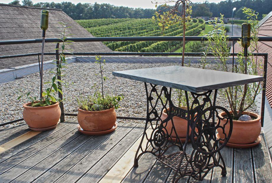 Tischplatte in Pannonia Grün, Stein Schwarz