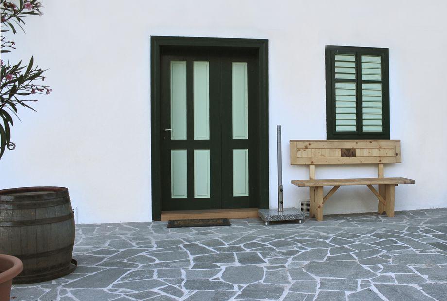 Hofgestaltung in Quarzit Kavala