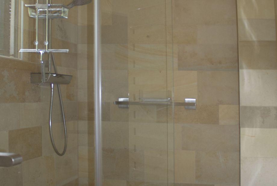 Badezimmer aus Solnhofner Marmor, Stein Schwarz