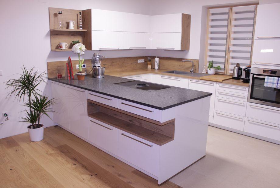 Küche aus Granit Steel Grey, Stein Schwarz